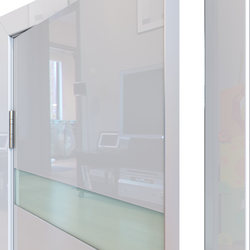 Межкомнатная дверь Дверная Линия ДО-502 Белый глянец стекло белое матовое
