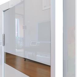 Межкомнатная дверь Дверная Линия ДО-502 Белый глянец зеркало бронза