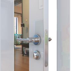 Межкомнатная дверь Дверная Линия ДО-504 Белый глянец зеркало бронза