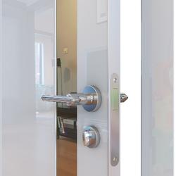 Межкомнатная дверь Дверная Линия ДО-507 Белый глянец зеркало бронза