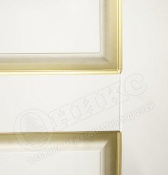 Дверь Марсель фрезерованное эмаль белая патина золото