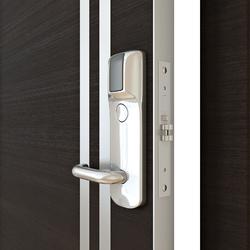 Межкомнатная дверь Дверная Линия ДГ-506 венге горизонтальный с электромеханическим замком Z-8 EHT