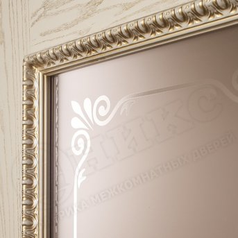 Дверь остекленная Версаль Патина золото с декором
