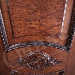 Дверь остекленная Империя красное дерево патина вставка корень